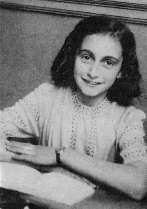 Anne Frank fotografada em maio de 1942
