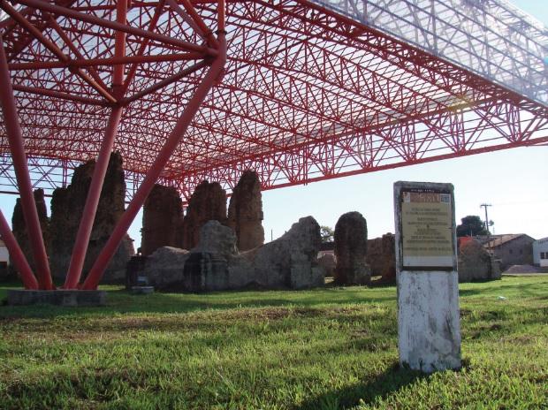 Ruínas da igreja matriz de Vila Bela da Santíssima Trindade (MT), construída em 1771.