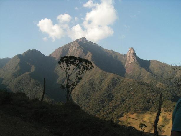 O Pico do Marins pertence à Serra da Mantiqueira e está localizado em Piquete (SP).